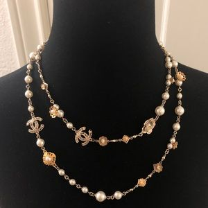 Chanel Like-New 2018 Cruise Gold & Pearl Necklace